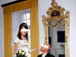 Elegancką suknię ślubną