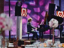 Elegancki Pianista  PianistAndreSowa