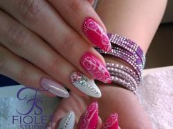 Fiolet Studio - stylizacja paznokci