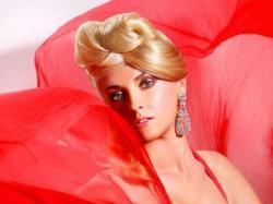 Fryzury ślubne w stylu glamour - galeria