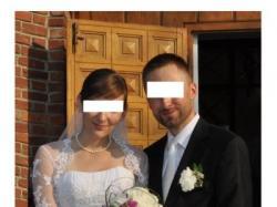 Garnitur czarny i biały krawat