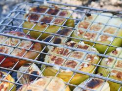 Grillowane jabłka faszerowane kaszanką