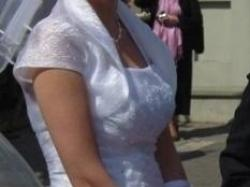 Gustowna suknia ślubna