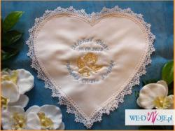 haftowane imiennie szatki do chrztu dla niemowląt
