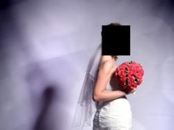 Hiszpańska  suknia ślubna z kolekcji La Sposa 2008 model Madeira