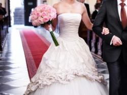 Ian Stuart Pompadour suknia ślubna- jedwab, kryształy swarovski, halka, tren