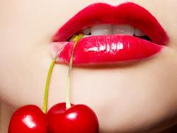 Jak chronić usta latem?