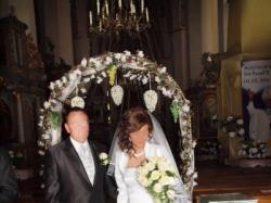 """Jednoczęściowa, sznurowana suknia ślubna w """"A"""""""