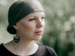 """""""Jestem zdrowa, tylko mam raka..."""" - 35-letnia Anna mówi o swojej chorobie"""