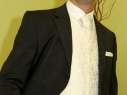 kamizelka wraz z krawatem iwypustką