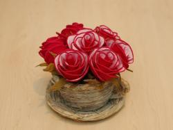 Karolajn-koszyk kwiatów. Dekoracje z krepiny.