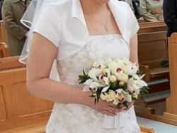 Klasyczna elegnacka suknia ślubna
