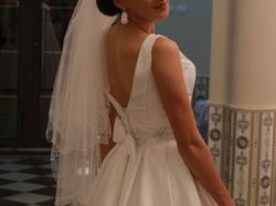 klasyczna suknia ślubna białą 36