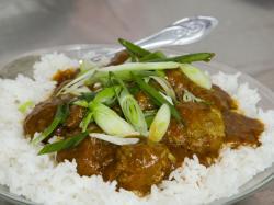 Klopsiki z cebulką dymką w sosie Chińskie Curry - przepis