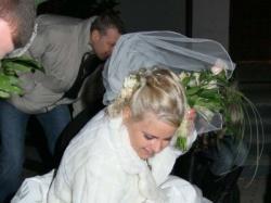 Kobieca i nietypowa suknia ślubna