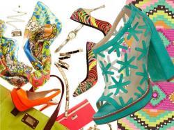 Kolorowe dodatki na wiosnę 2012