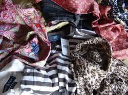Kolorowe & Kilogramy hurtownia odzieży uzywanej Sortowanej