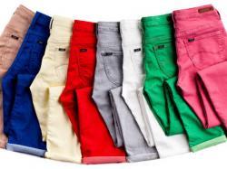 Kolorowe spodnie dla dojrzałych kobiet
