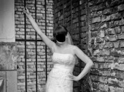Koronkowa suknia Melody z szarfą (opcjonalnie)
