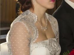 Koronkowa suknia, piękna i oryginalna
