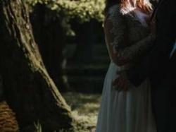 Koronkowa suknia Ślubna  Lillian West 6422 - 2017r