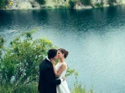 Koronkowa suknia ślubna na sprzedaż