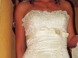Koronkowa suknia z salonu Claudia Langer