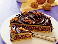Kruche ciasto z orzechami i czekoladą