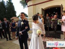 Lekka suknia ślubna z koronką francuską