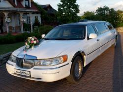 Limuzyna do ślubu z szoferem