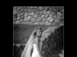 Lorna Pronovias - niebanalna elegancja
