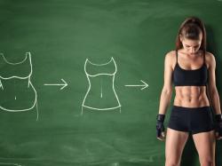 Mimo ćwiczeń twój brzuch nie jest płaski? Przyczyną może być zdrowa dieta!