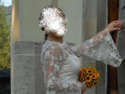 Młodzieżowa, Kremowa, koronkowa suknia ślubna