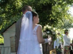 najpiekniejsza biała koronkowa suknia slubna
