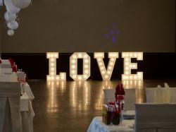 Napis LOVE z żarówkami, w stylu RETRO, najem, WYNAJEM 100 cm - LiteroweLovepl