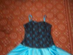 Niepowtarzalna Chabrowa Sukienka