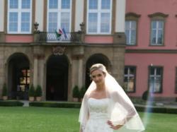 Niepowtarzalna suknia ślubna, rybka, model Biora, 36 kolor Ivory