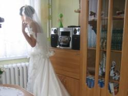 Niepowtarzalna suknia ślubna z hiszpańskiej koronki