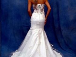 niesamowita suknia ślubna