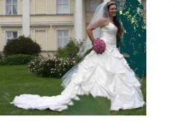 Niespotykana suknia ślubna