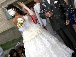 niezwykla suknia ślubna