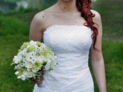 Niezwykle delikatna i kobieca suknia