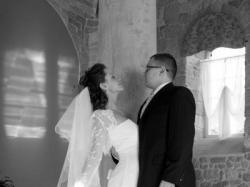 Niezwykle kobieca, koronkowa suknia ślubna