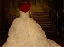 Nowa , pikękna suknia ślubna