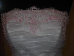 nowiutka suknia z likwidacji salonu