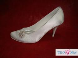 Obuwie  ślubne i do komunii  damskie buty producent CASANI
