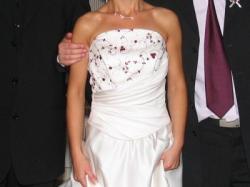 Oferuję sprzedaż sukienki ślubnej uszytej na miarę 36.