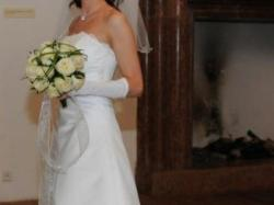 OKAZJA! Śliczna jednoczęściowa suknia ślubna z trenem