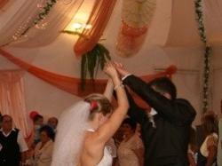 OKAZJA!! Zjawiskowa suknia ślubna!! KUP JĄ DO DNIA 20.11.09 za jedyne 1200zł