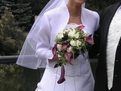 Oryginalna biała sukienka ślubna